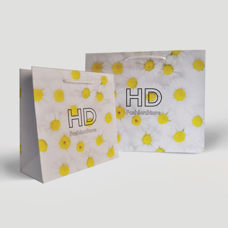 Digital printing over whole packaging - white kraft paper bag