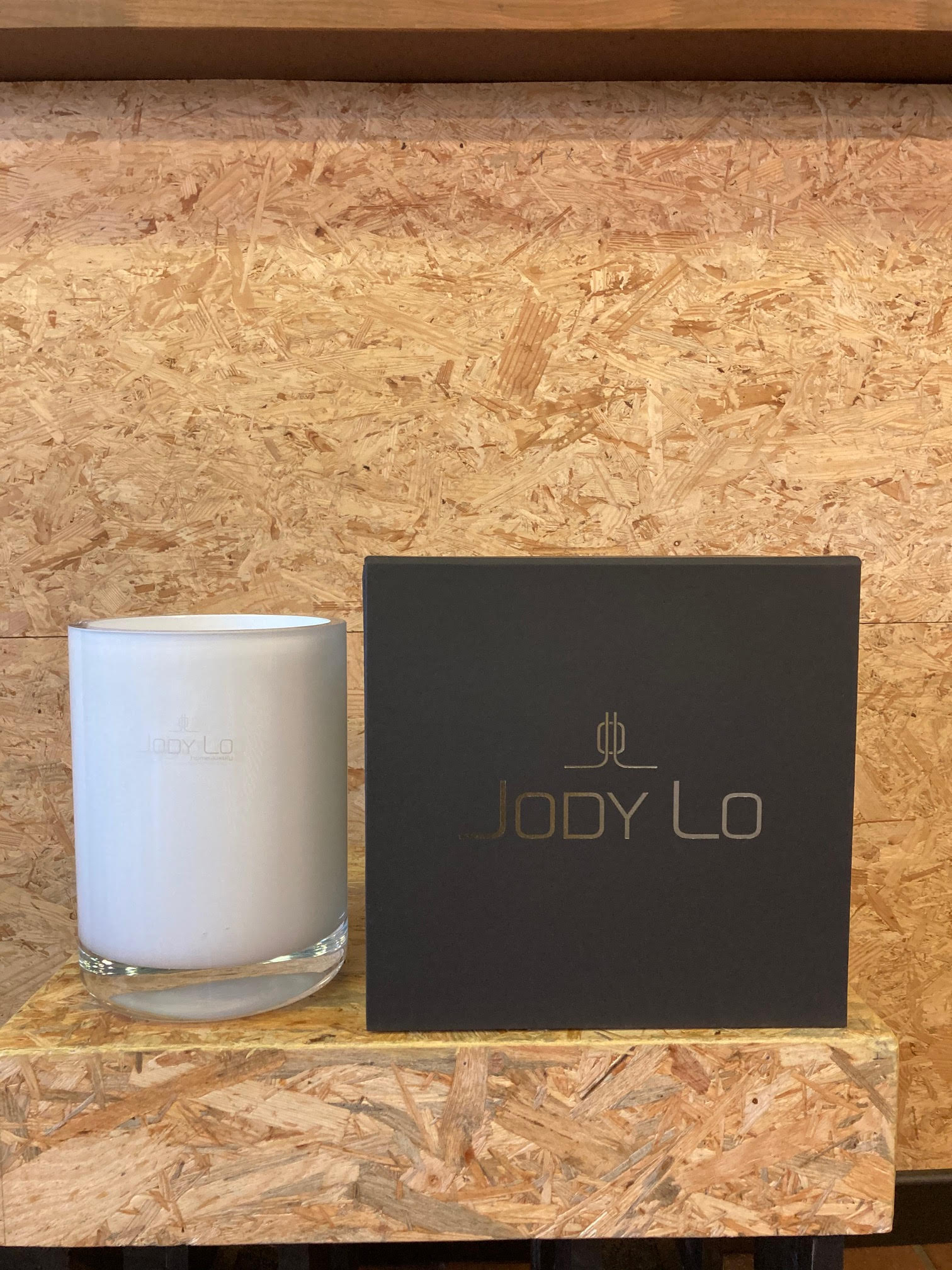 Luxurious cardboard candle packaging for Jody LO