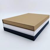 Les hingbox sont des boîtes aimantées très solides et élégantes🌟 Leur particularité réside dans le fait qu'elles sont très plates, aucun modèle ne dépasse 3cm de haut 🤯Cet emballage est particulièrement pratique pour contenir des documents 📄, magazines 📒, écharpes ou autres objets peu épais.100% recyclable♻️, cet emballage est disponible en 6 formats différents#magneticpackaging #belgianbrand #ikkoopbelgisch #jachetebelge #belgiandesign #belgischmerk #ecologie #brandactivation
