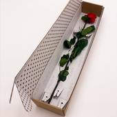 Offrez la possibilité à vos clients de surprendre les personnes qu'ils aiment avec un emballage personnalisé pour fleurs. 🌷🌹📦 Faites comme @19atelier et confiez votre emballage personnalisé sur mesure à Centurybox, votre partenaire dans l'emballage du luxe.   #bientotleprintemps #belgianpackaging #flowerbox #boiterose #emballagefleurs #packagings #giftbox #centurybox