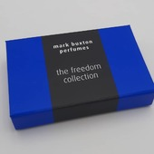Hingbox bleu électrique avec calage sur mesure 🎁✨  #boitecadeau #boitepersonnalisée #perfumebox #emballageparfum #boiteparfum
